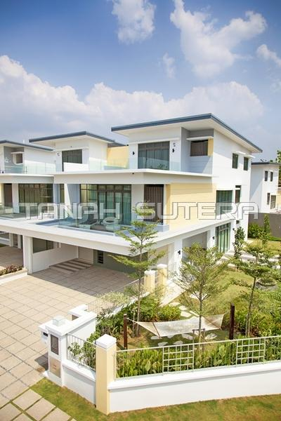 3 Storey Semi-D House